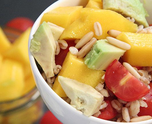 Salat mit mango vinaigrette